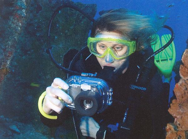 Подводные фотоаппараты обросли огромной популярностью среди жителей города...