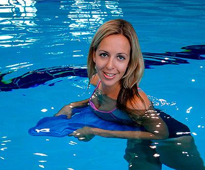 доска для плавания в бассейне
