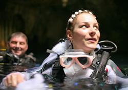 Дайвинг. Свадьба в подводной пещере.