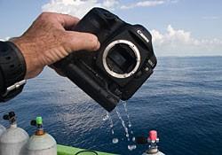 Боитесь, что ваш бокс для подводной фотосъемки зальет водой?