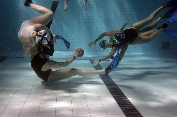 В Санкт-Петербурге производится набор в команду по подводному регби