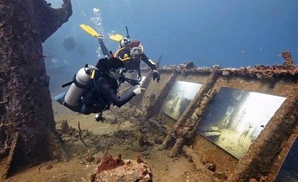 Призраки эпохи Рококо на глубине 24 метра